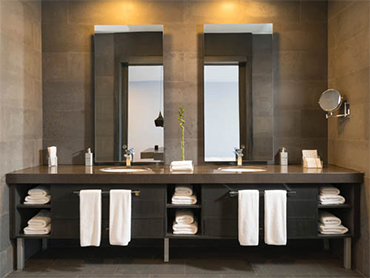 beautiful bathroom made by bathroom remodeling contractors in chicago